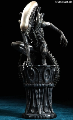 alien_1_big_chap_alien_statue_al007-b