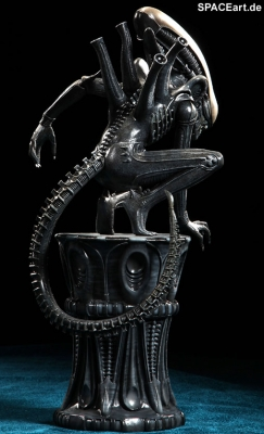 alien_1_big_chap_alien_statue_al007-d
