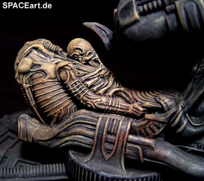 alien_1_space_jockey_diorama_al121-c1